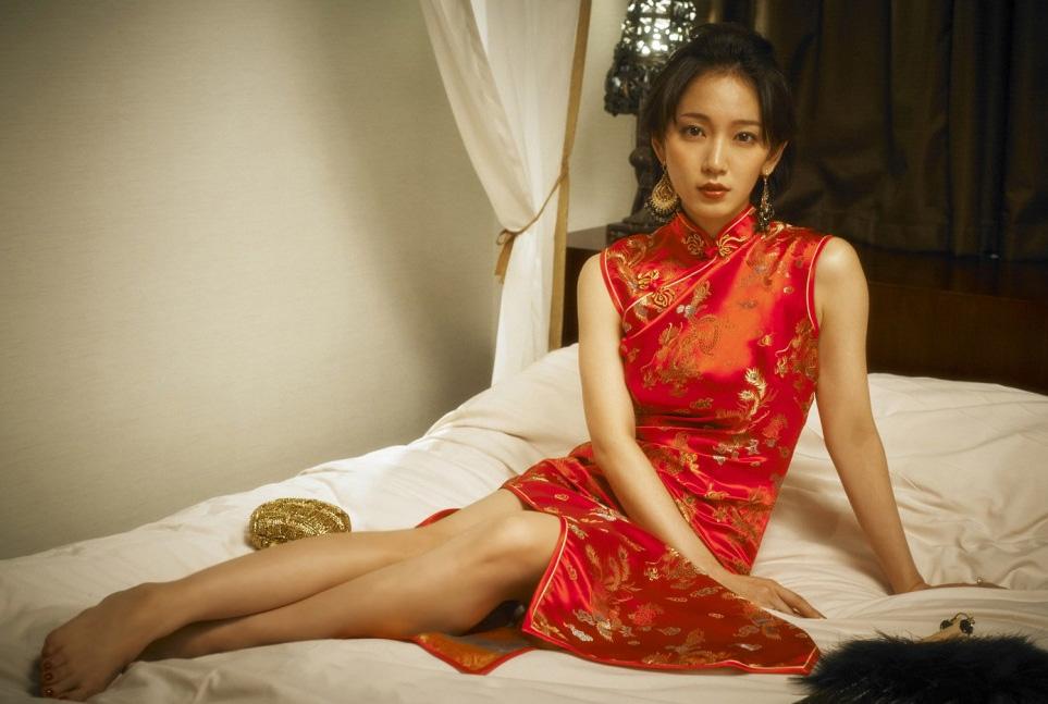 【朗報】完璧ボディの吉岡里帆(24)が待望のファースト写真集を発売するぞぉwww