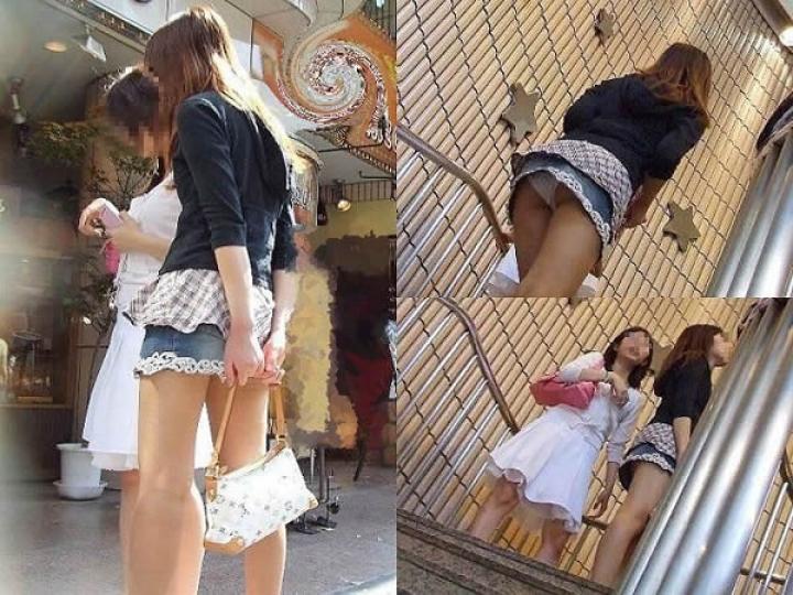 【パンチラエロ画像】階段を上がって!ミニスカ女子達の狙い通りのローアングルチラwww 10