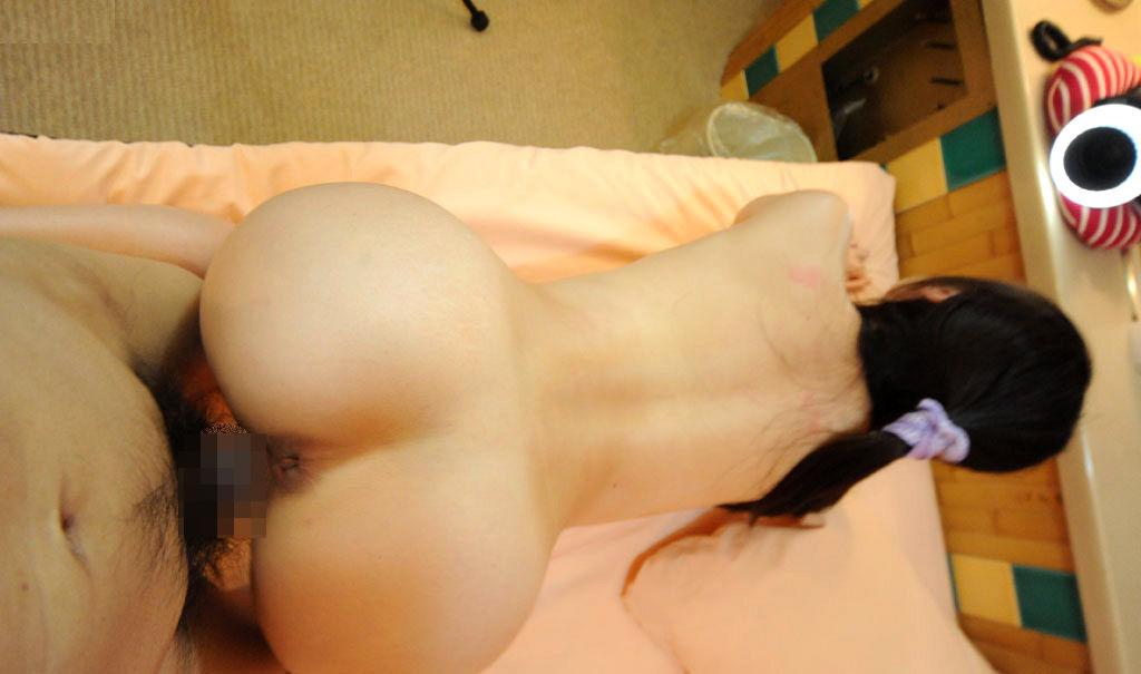 【性交エロ画像】ヒクつくアナルも丸見えwバックで結合中に楽しい尻観察www 08