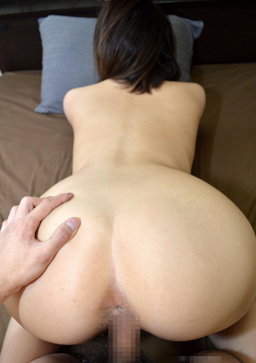 【性交エロ画像】ヒクつくアナルも丸見えwバックで結合中に楽しい尻観察www 12