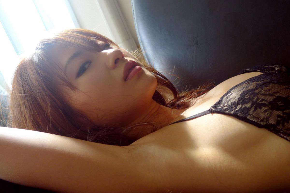 【腋フェチエロ画像】汗ばみ状態なら乳にも目をくれず舐めたい生腋www 05