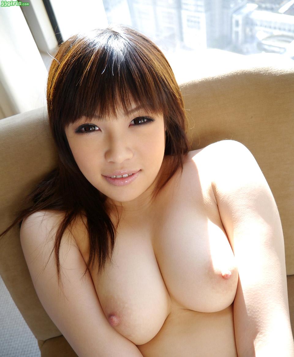 【乳頭エロ画像】真っ黒にするまで付き合いたい!そそる薄ピンクの乳首と乳輪www 15