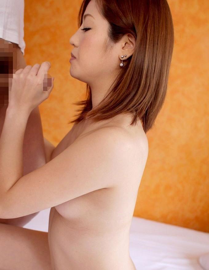 【手コキエロ画像】手淫じゃないよw女の子に握って抜いてもらう手コキwww 04