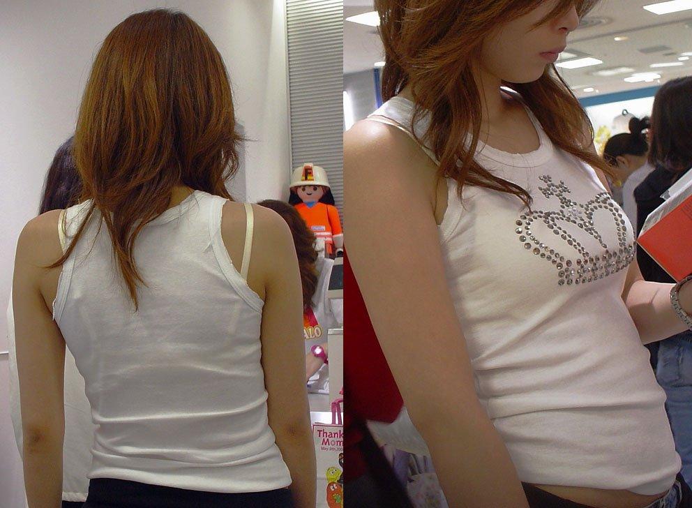 【ブラ見えエロ画像】肩紐出ただけでも価値アリwブラハミ出し素人www 09