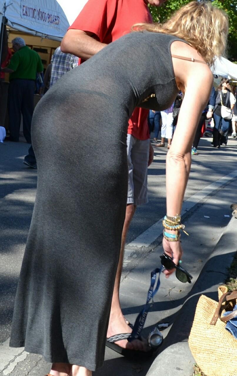 【下着透けエロ画像】スカートじゃなくても…線も色もクッキリなパンツ浮き透け尻www 12