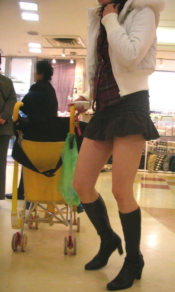 【美脚エロ画像】生ならなお良し!去るまで見届けたくなる街行く綺麗な脚www 04