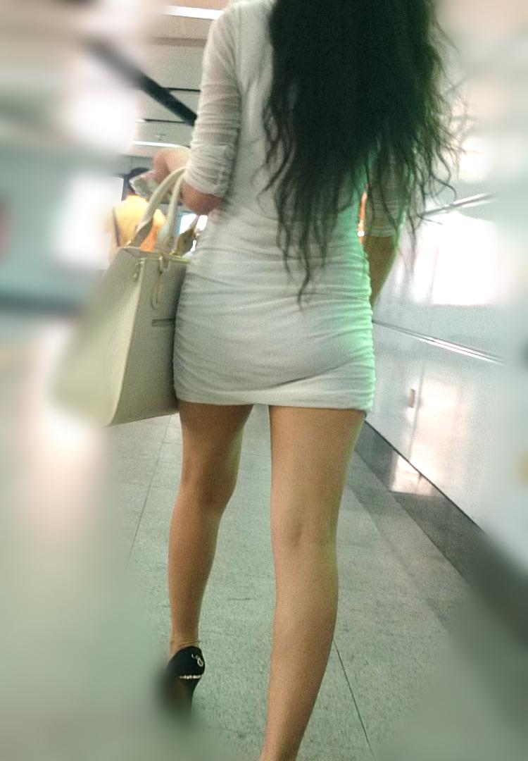 【美脚エロ画像】生ならなお良し!去るまで見届けたくなる街行く綺麗な脚www 15