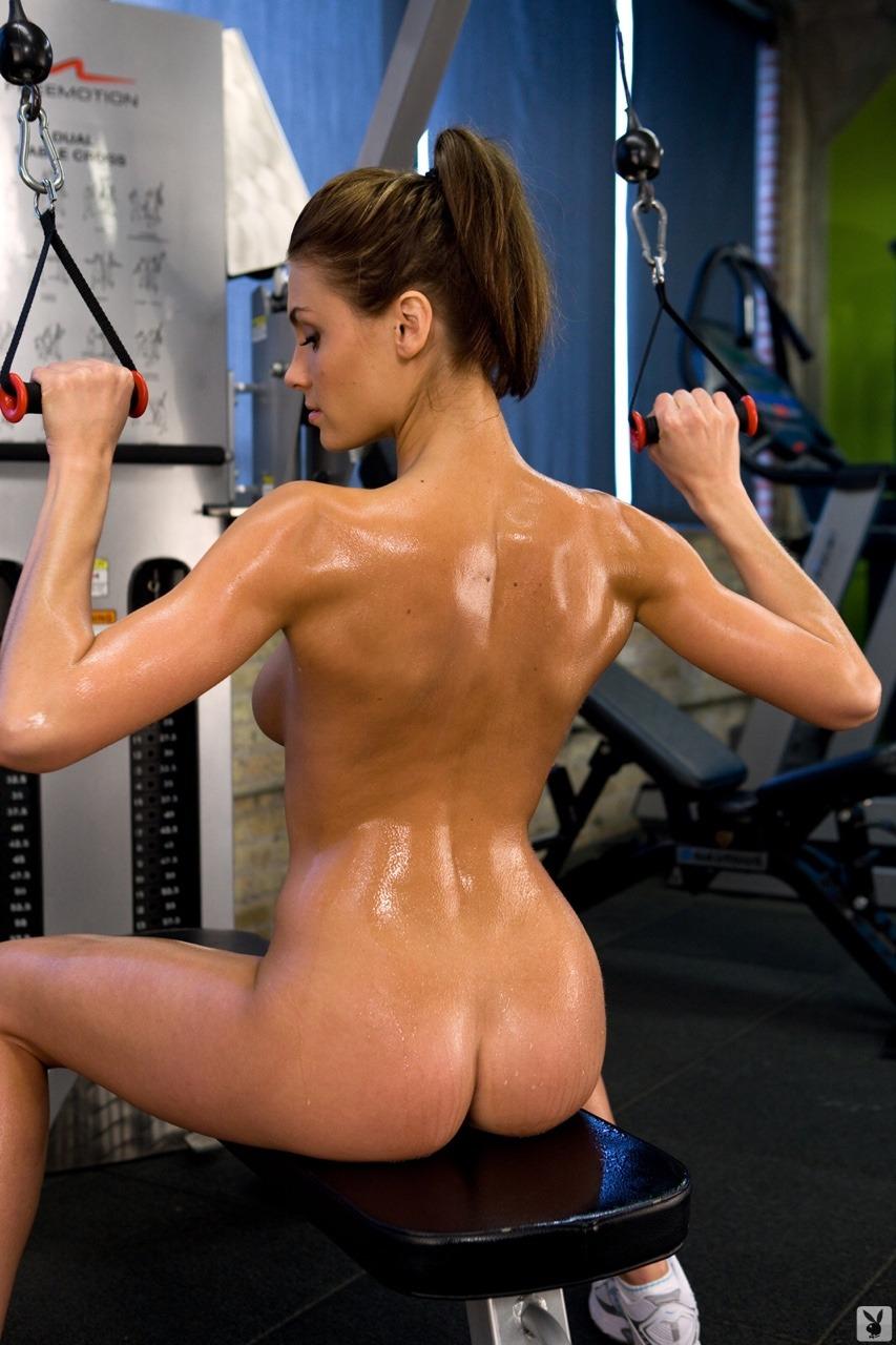 【海外エロ画像】筋肉よりも気になるものが…外人さんの全裸エクササイズwww 02