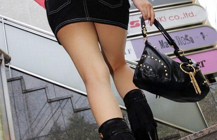 【美脚エロ画像】挟まれてみたい膝裏をした街角の美脚女性を追いかけてwww 001