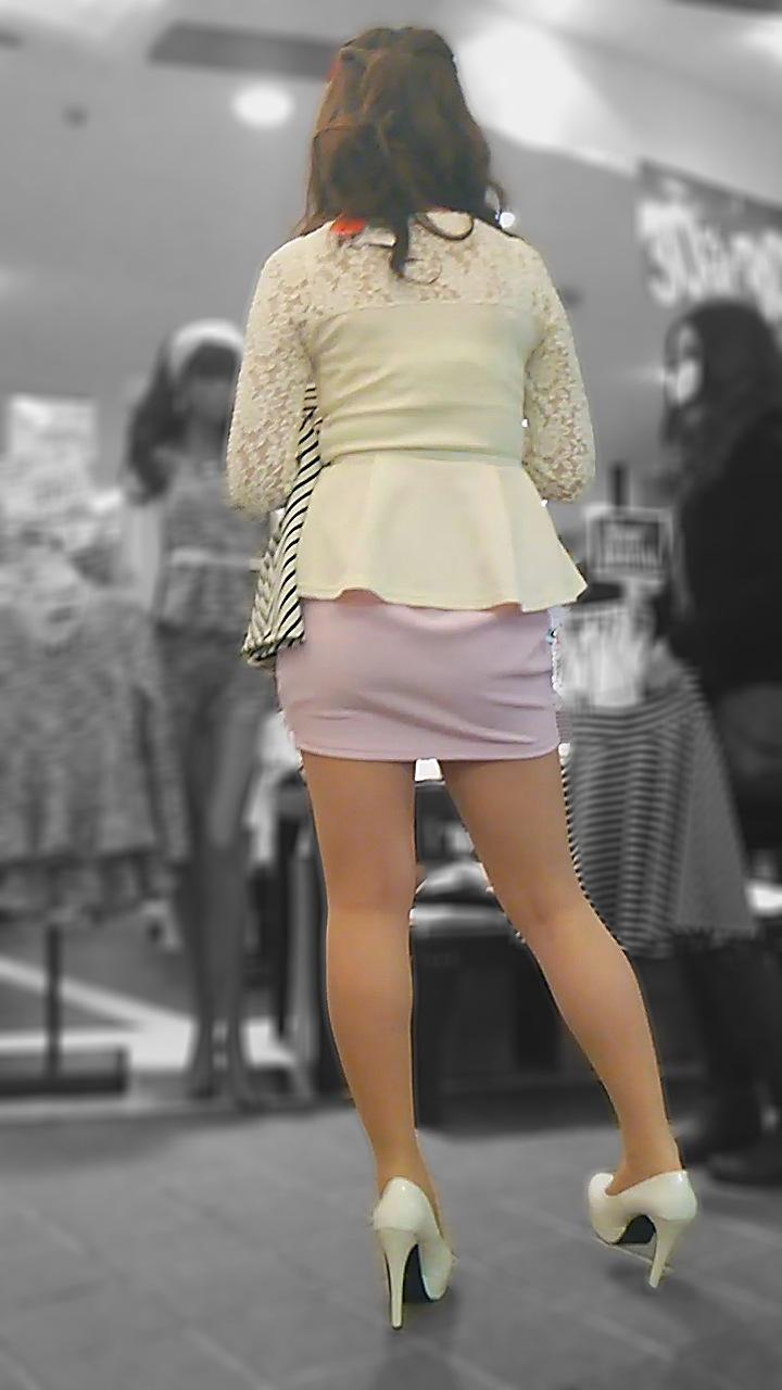 【美脚エロ画像】挟まれてみたい膝裏をした街角の美脚女性を追いかけてwww 07