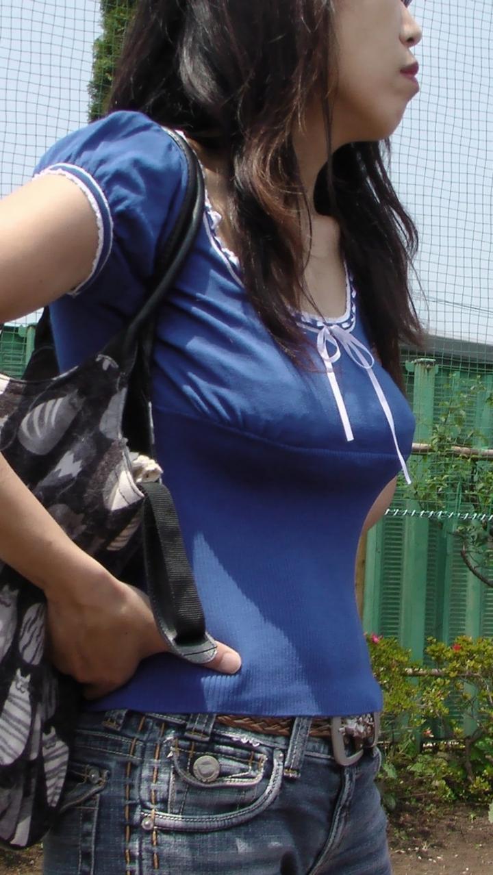 【着胸エロ画像】背中に当てて欲しいですw知った仲でもスルー不可の着衣おっぱいwww 14