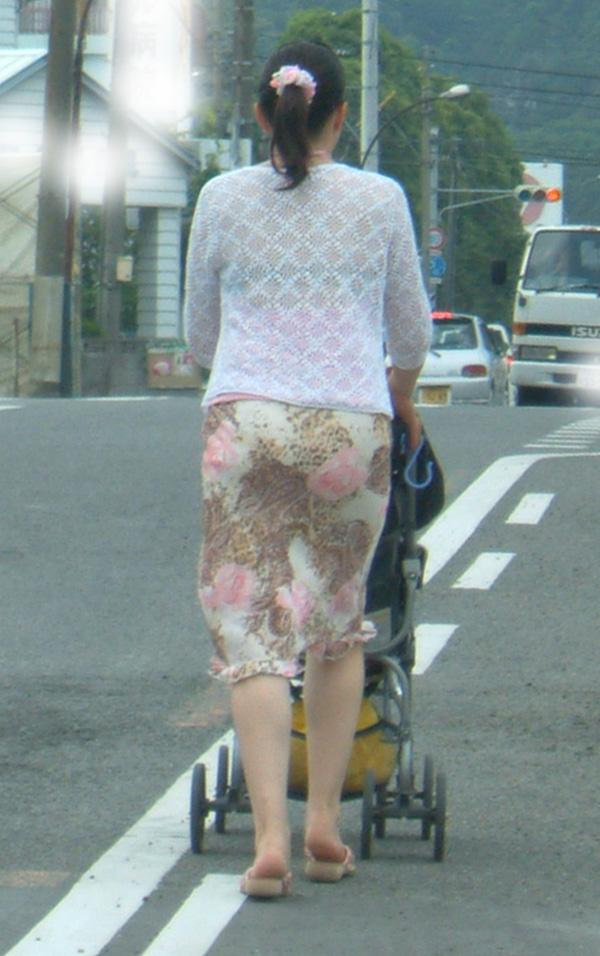 【透けブラエロ画像】ホックで判る正面の事情w街角透けブラ女子撮りwww 10