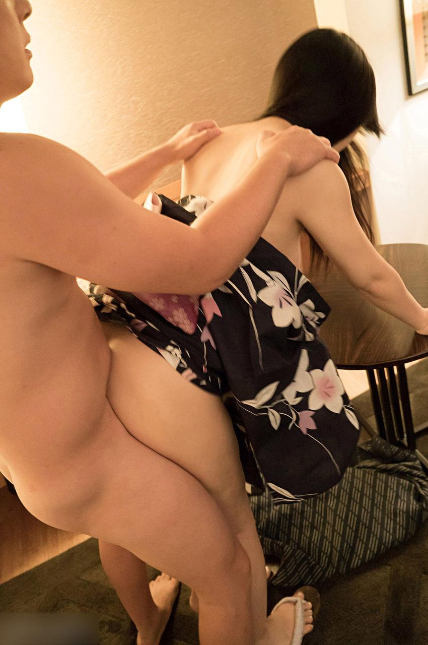 【性交エロ画像】脚の力が抜けるまで!立ったままでも気持ち良い性行為www 12