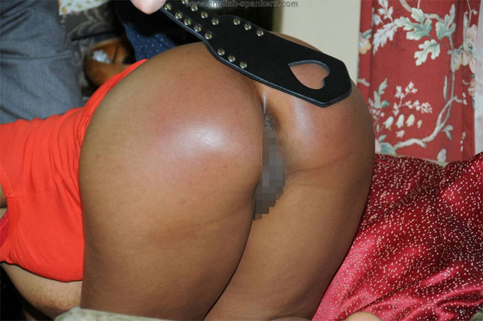 【調教エロ画像】痛そうなのに快感!?スパンキング好きなM女たちの真っ赤な尻www 08