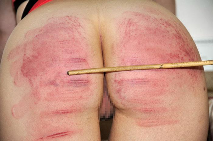 【調教エロ画像】痛そうなのに快感!?スパンキング好きなM女たちの真っ赤な尻www 11