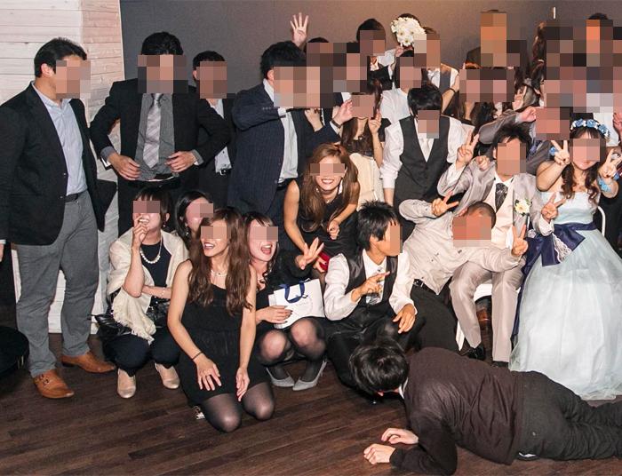 【パンチラエロ画像】ミニ着用者を前列にして…記念写真パンチラの完成www 12