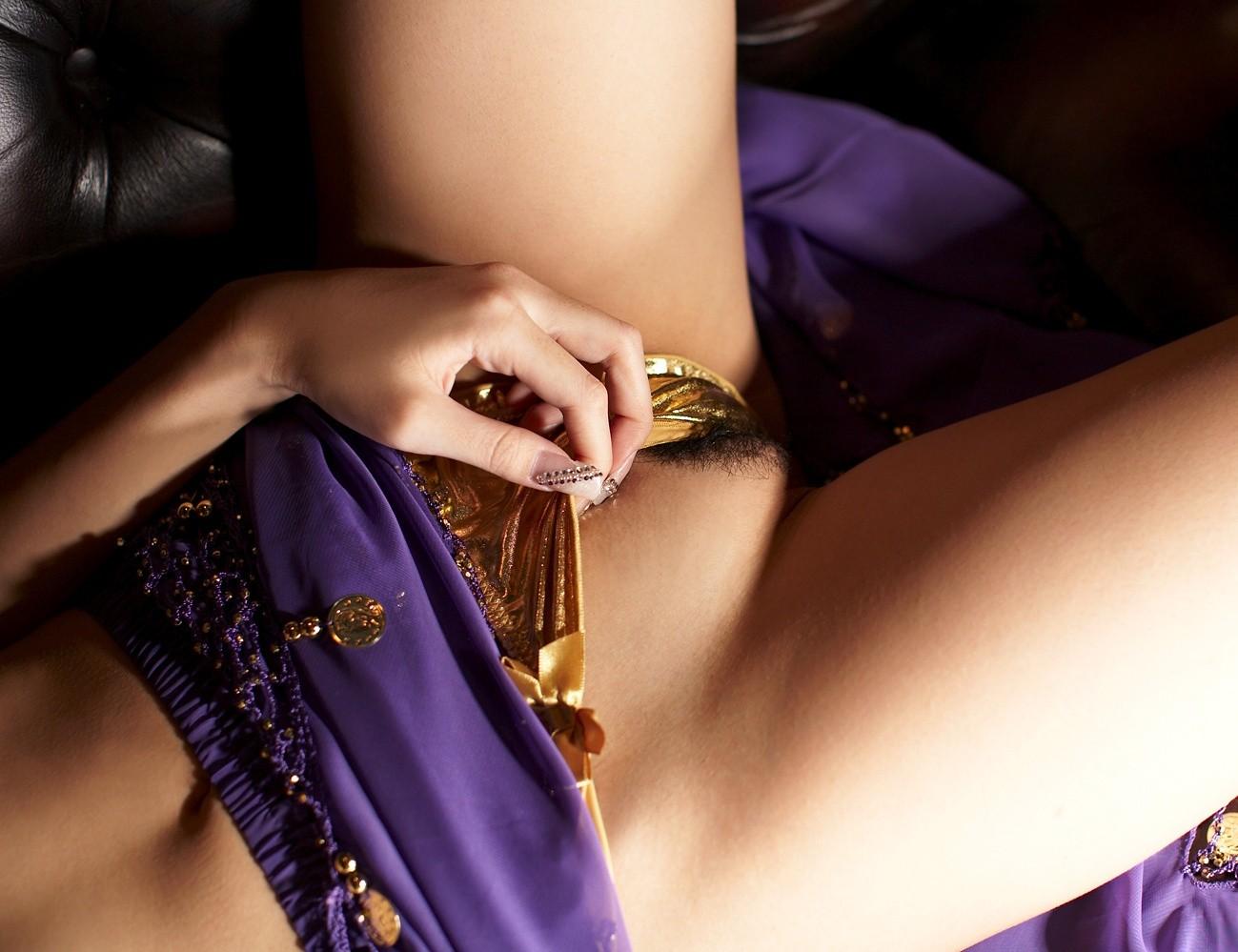 【陰毛エロ画像】剛毛だと辛いねw日本人も処理を気にすべき股間の陰毛www 04