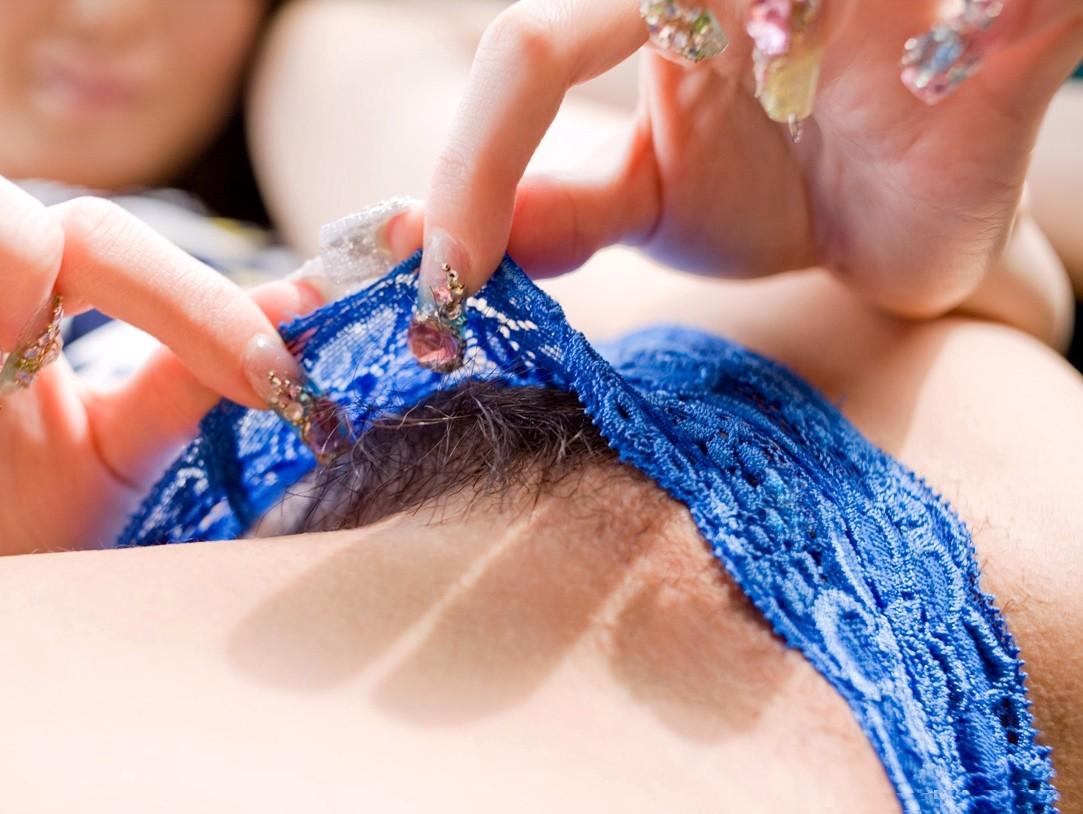 【陰毛エロ画像】剛毛だと辛いねw日本人も処理を気にすべき股間の陰毛www 09