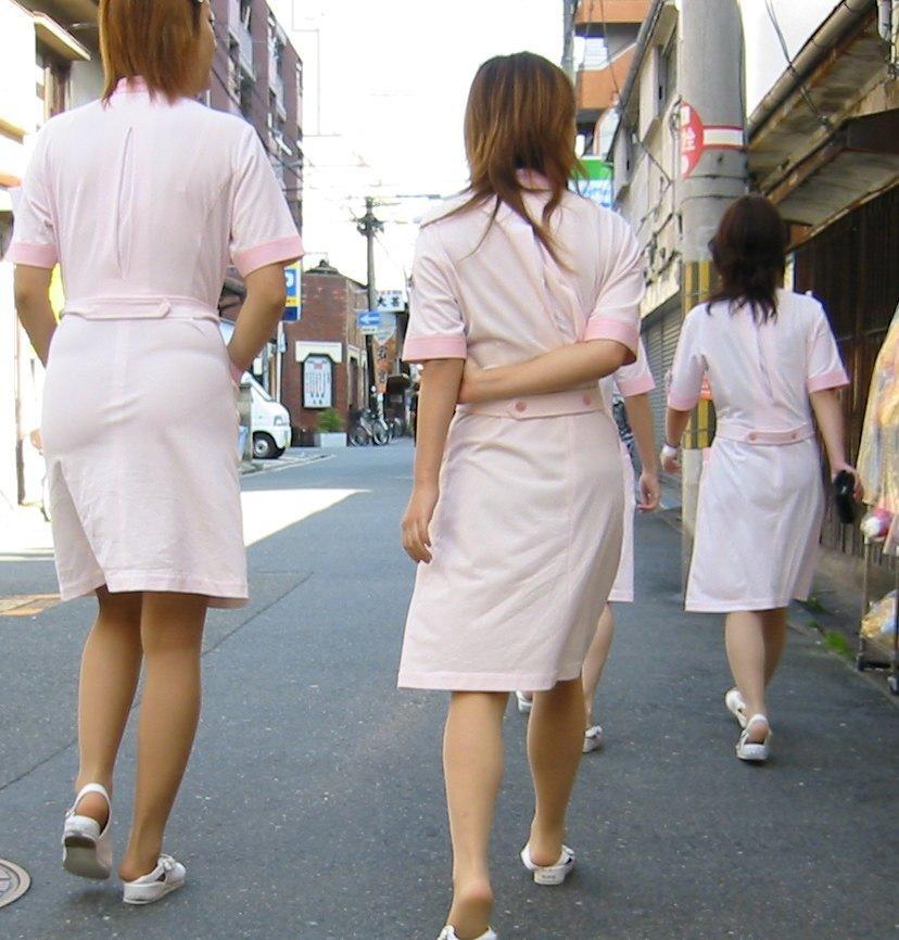 【ナースエロ画像】鉄壁の白衣でもなかったりする看護師たちの下着透けwww 02