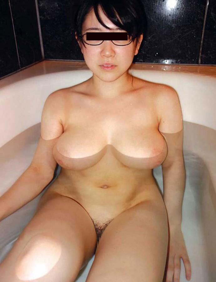【入浴エロ画像】本当に浮いてるw巨乳を浮遊させて入浴中な皆さんwww 08