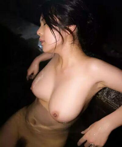 【入浴エロ画像】本当に浮いてるw巨乳を浮遊させて入浴中な皆さんwww 15