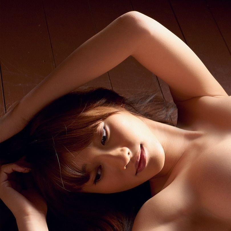 【腋フェチエロ画像】処理には抜かりない美女たちの舐めたくなる生腋! 01