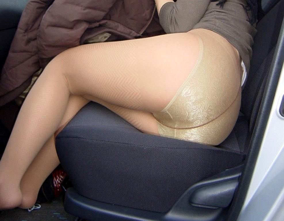 【下着エロ画像】さてどんな雌の香りが…夜のお楽しみ用パンスト美尻www 11