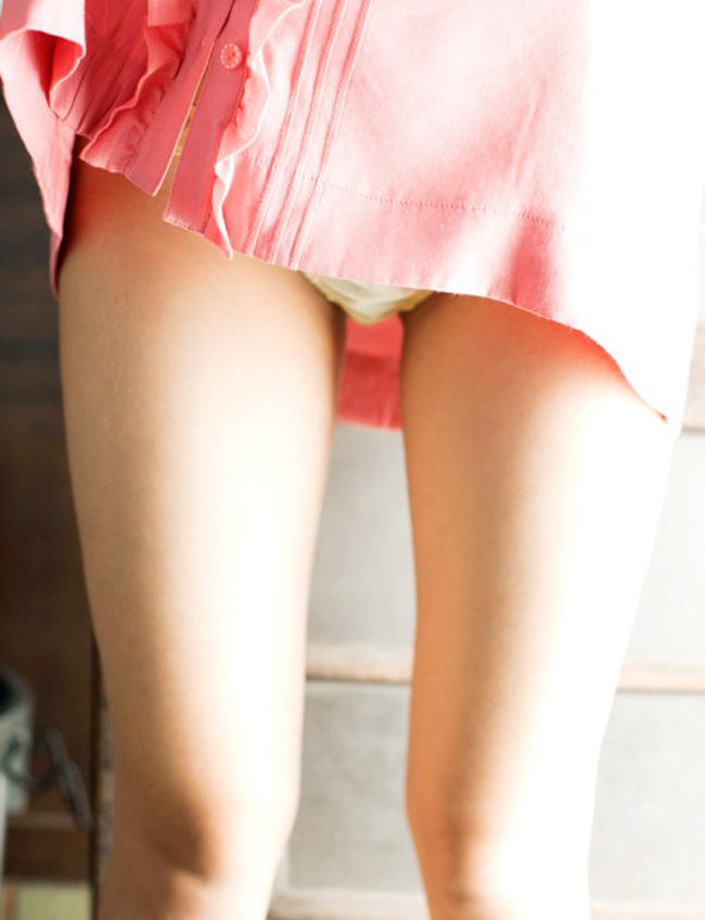 【太ももエロ画像】女の脚といえばやはり!ムチムチしてナンボな生太ももwww 14