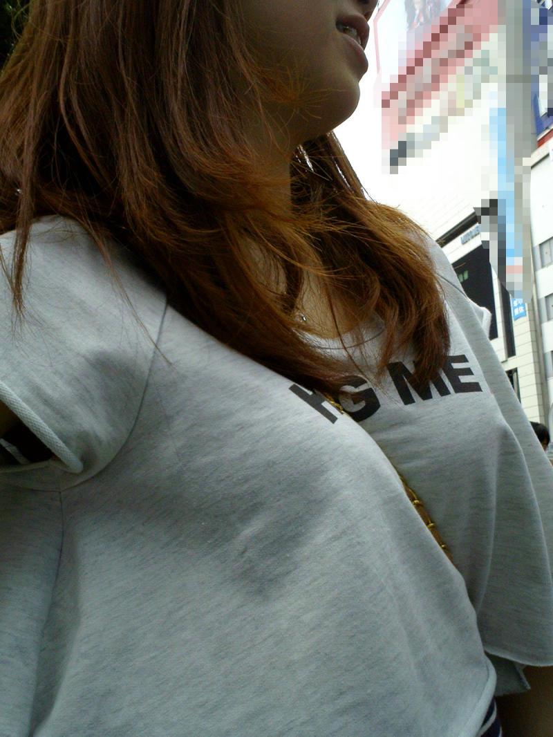 【パイスラエロ画像】少々厚着になっても安心w着胸クッキリなパイスラ姿www 12