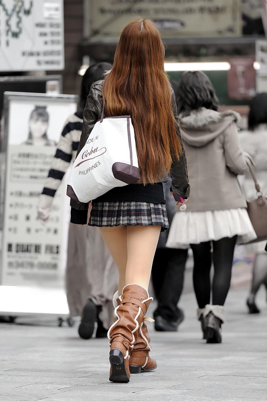 【美脚エロ画像】パンツを気にするのは後でいいw街のミニスカ美脚鑑賞www 08
