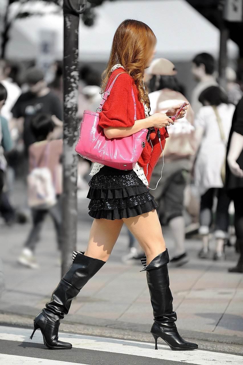 【美脚エロ画像】パンツを気にするのは後でいいw街のミニスカ美脚鑑賞www 11