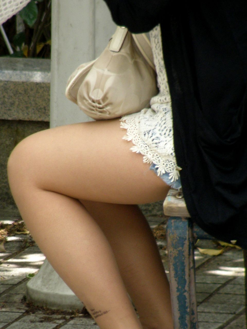 【太ももエロ画像】膝枕プリーズwムッチリこそ不可欠な女の太ももwww 11