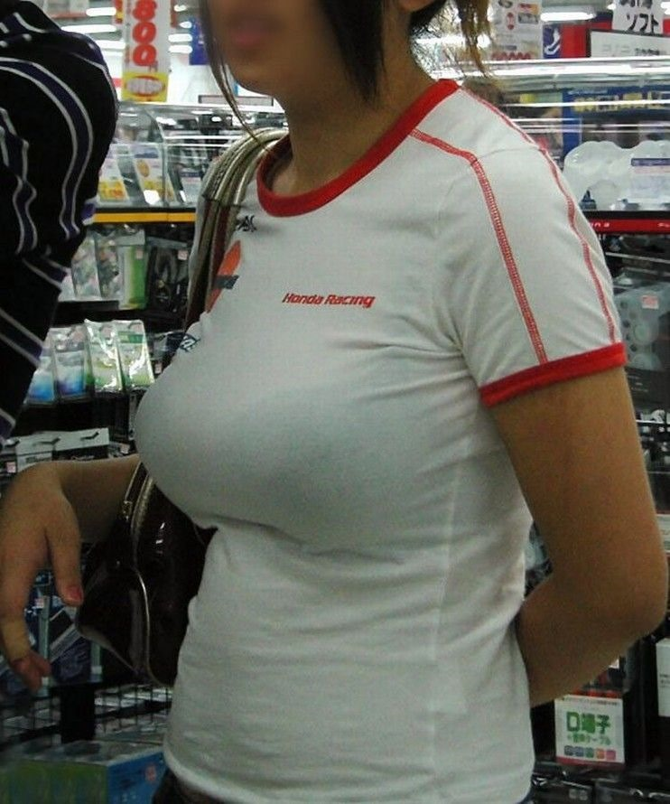【着胸エロ画像】本体はこれより大きいか小さいか…知ってみたい着衣巨乳www 03