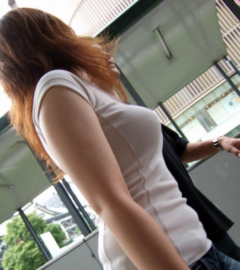 【着胸エロ画像】本体はこれより大きいか小さいか…知ってみたい着衣巨乳www 10