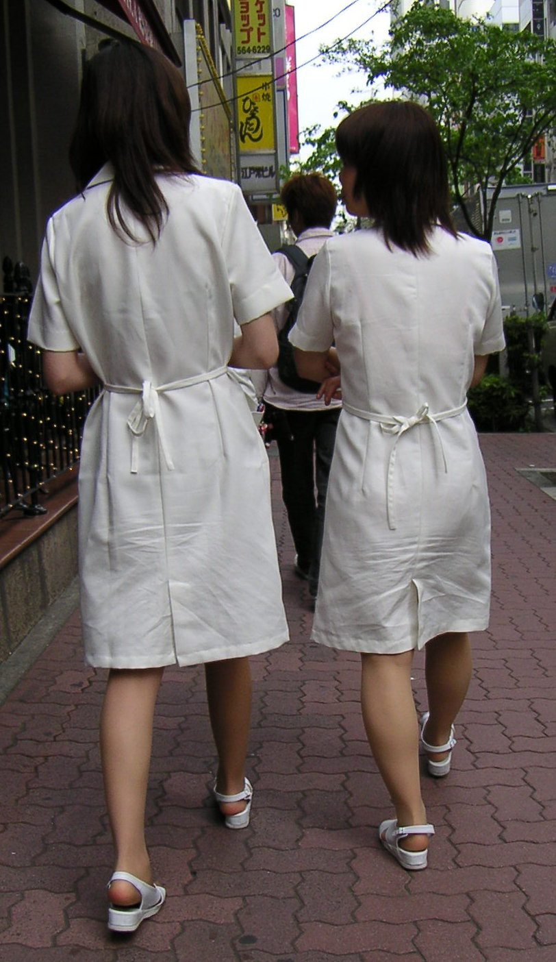 【ナースエロ画像】控えめそうで実は…看護師たちのエロ要素探しwww 06