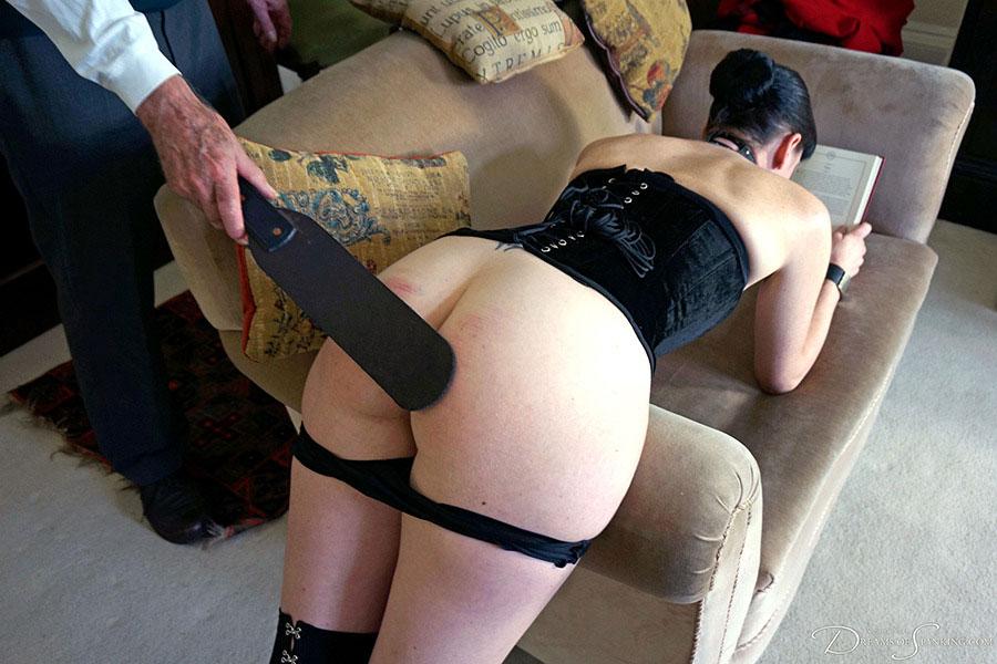 【SMエロ画像】うわぁ真っ赤…だが持ち主は快感らしいスパンキング調教www 09