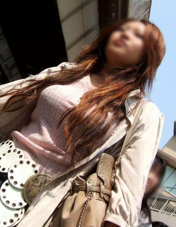 【着胸エロ画像】ぶつかって来てくれるのは歓迎w触れて欲しい着衣巨乳www 15