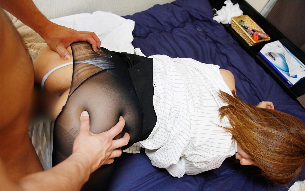 【性交エロ画像】尻だけ出せば合体は可能wせっかちな方々の着衣セックスwww 15