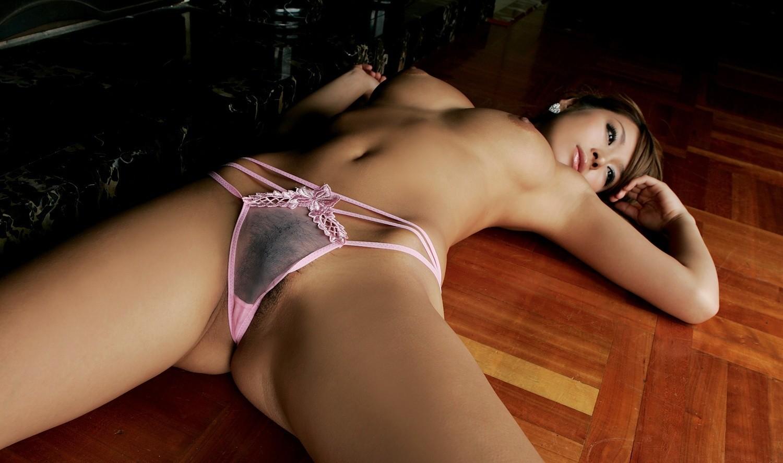 【腋フェチエロ画像】揉みながら舐めるのが最適w美女のおっぱいと生腋www 06
