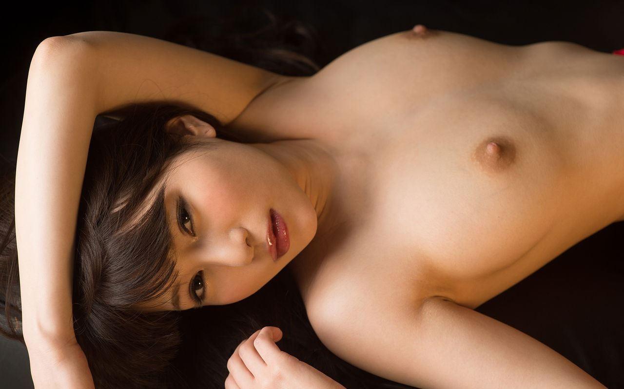【腋フェチエロ画像】揉みながら舐めるのが最適w美女のおっぱいと生腋www 12