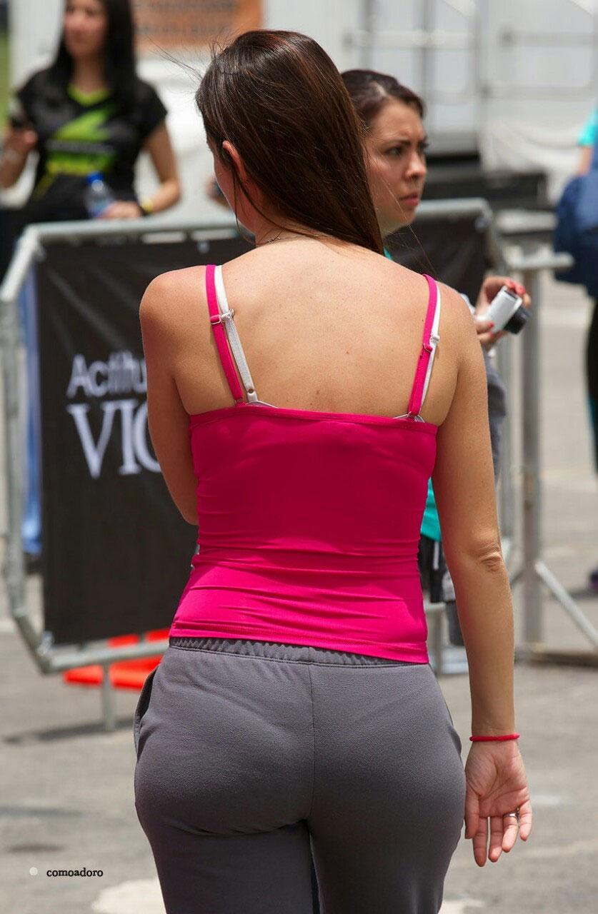 【下着透けエロ画像】間接的だからより卑猥に感じるパンツが浮いてる着衣尻www 06