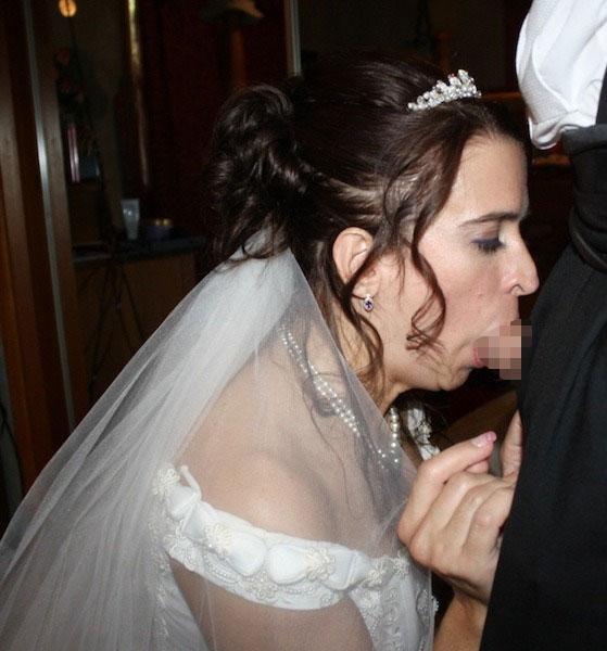 【海外エロ画像】相手は新郎ではないらしいw花嫁衣裳でやらかす新婦たちwww 08