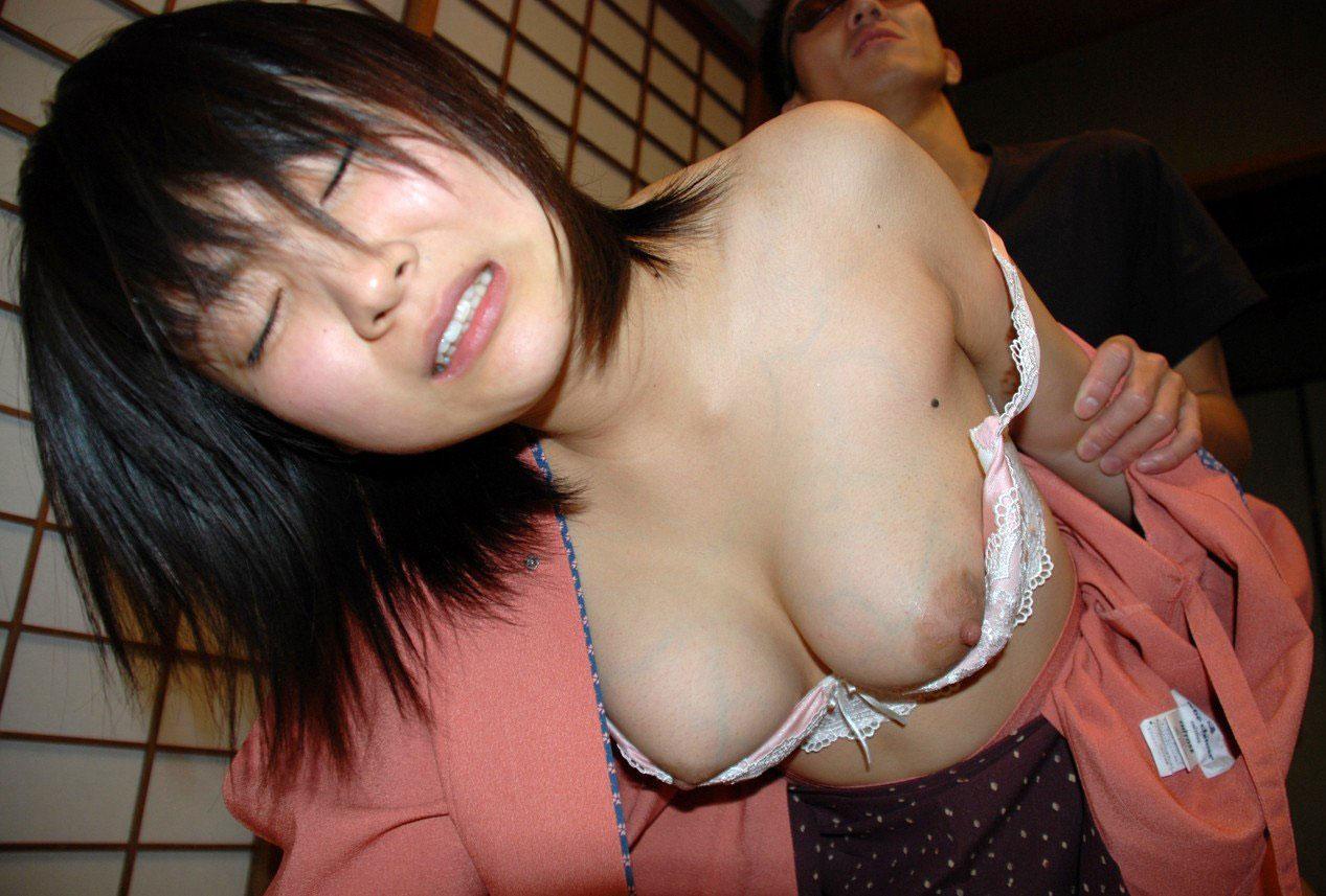【後背位エロ画像】バックでガッツリ挿入されているときの女の子の表情ってwww 24