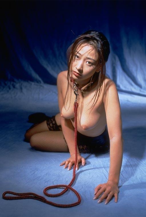 【首輪エロ画像】Mすぎてペットになった女が首輪つけて調教されていると聞いてwww 24