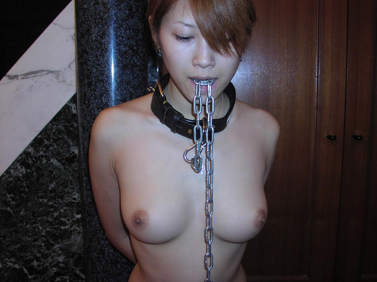 【首輪エロ画像】Mすぎてペットになった女が首輪つけて調教されていると聞いてwww 33
