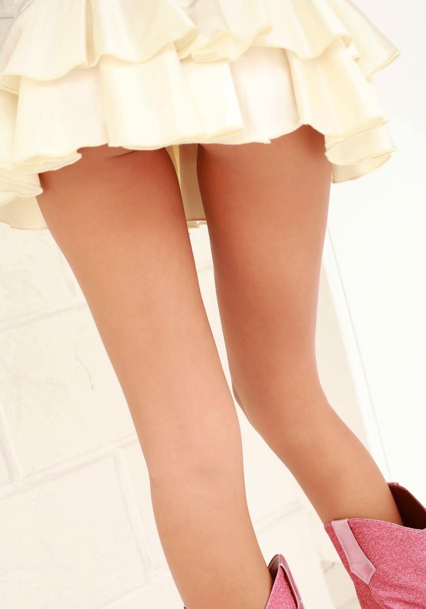 【美脚エロ画像】スラリとした美脚に色気をプラスしてくれるミニスカさん! 25