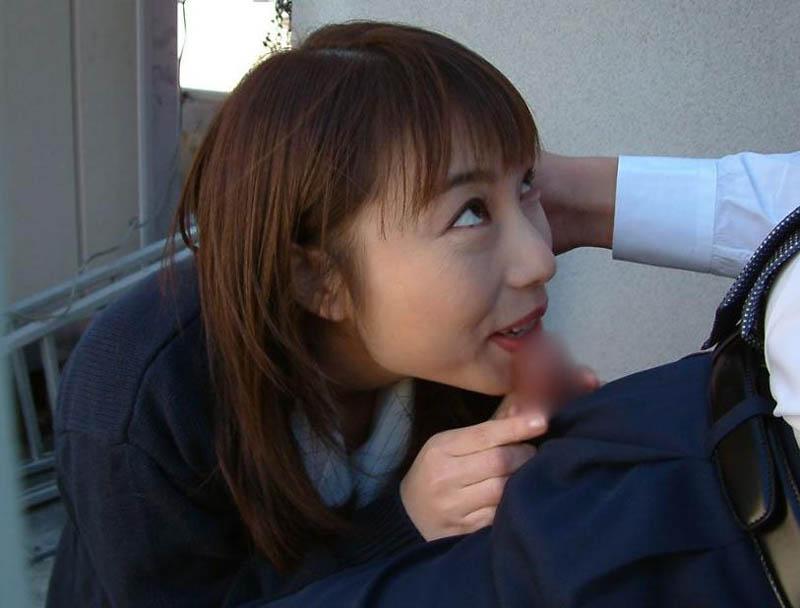 【フェラエロ画像】ねっとりとした舌使いで気持ちいいのが伝わってくるフェラ画像まとめ! 31