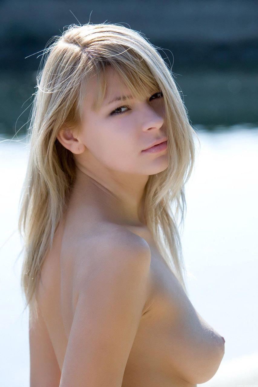 【ポルノスターエロ画像】海外に行けばダイナマイトボディーの美女を抱けるかも!w 05