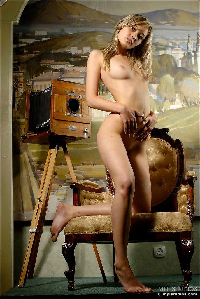 【ポルノスターエロ画像】海外に行けばダイナマイトボディーの美女を抱けるかも!w 09