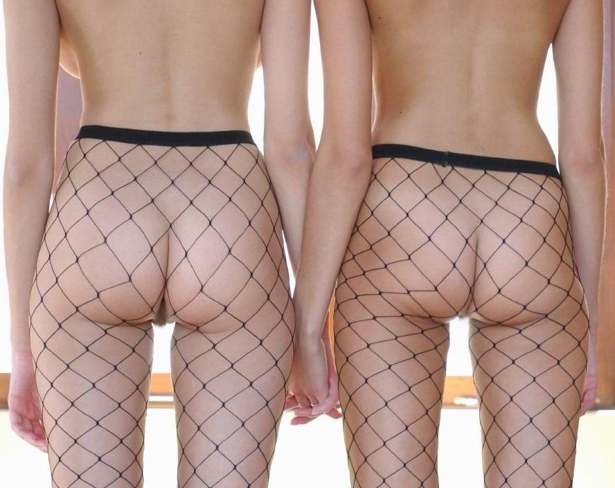 【網タイツエロ画像】脚で妖艶さを表現したいときに便利な網タイツというエログッズ!w 27